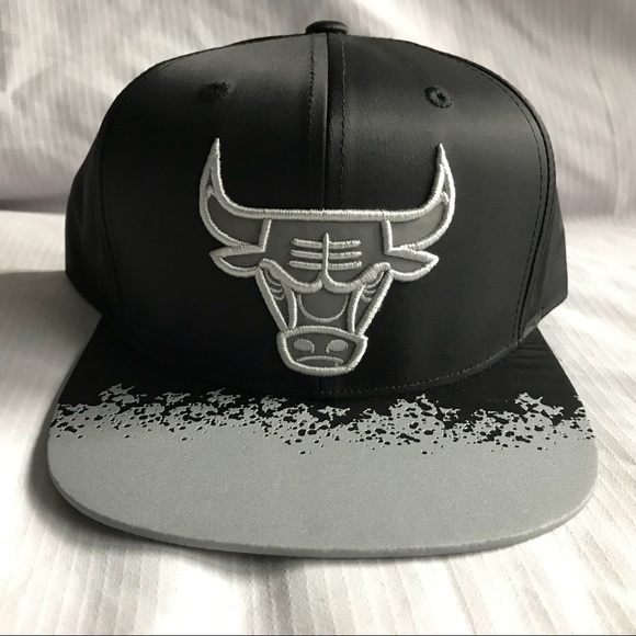 huge selection of c8ed2 0d669 Chicago Bulls M   N NBA Reflective Lava Snapback. M 5a92d52472ea885f3054310b
